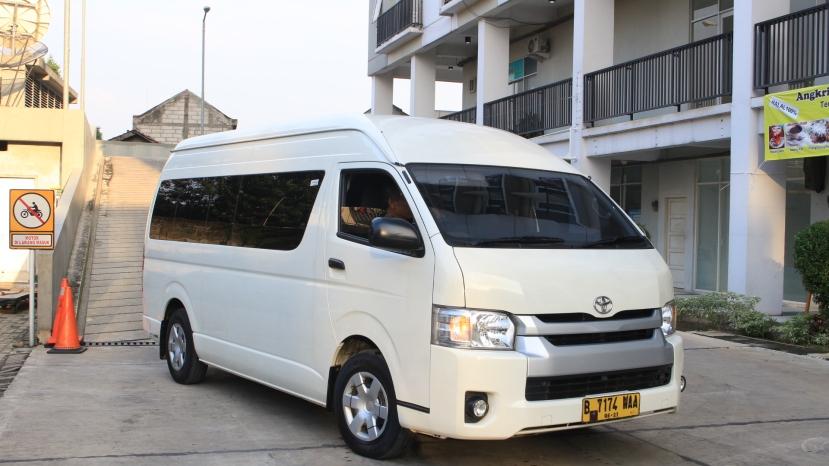 tarif rental mobil hiace di depok