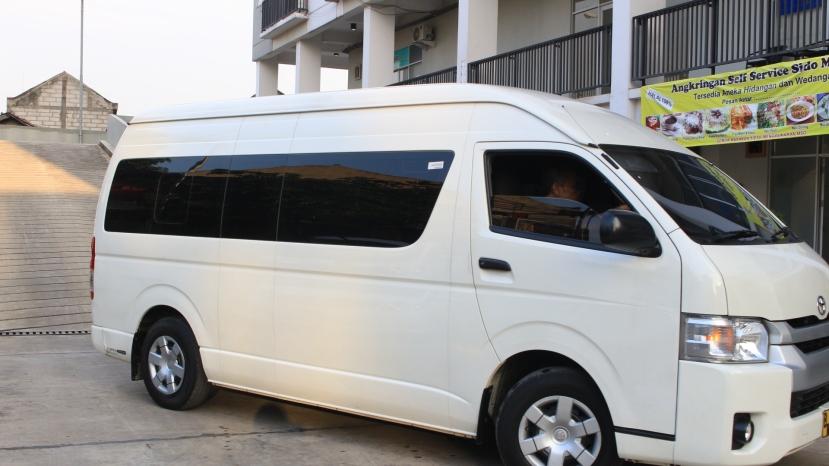 tarif rental mobil hiace wedding ca