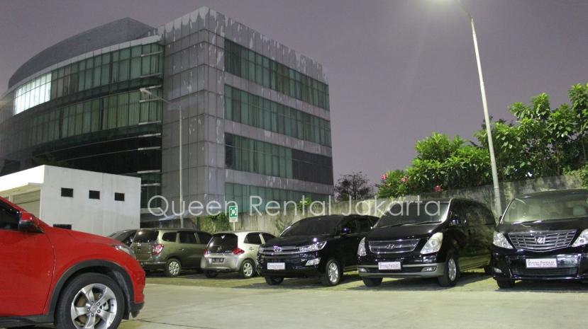 Rental Mobil Mewah innova di tangerang